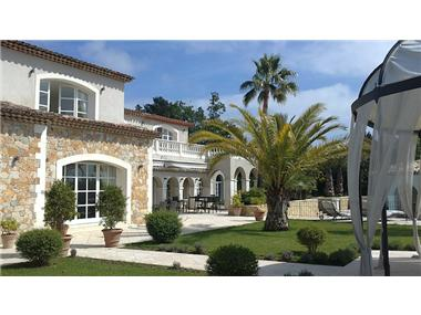 Estate for sale in Mougins