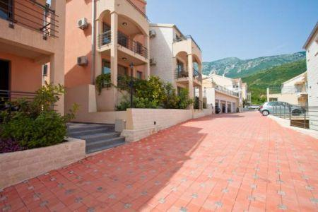 Apartment/Flat for sale in Becici