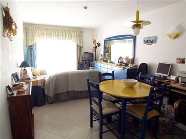 Apartment       for sale in Praia do Carvoeiro