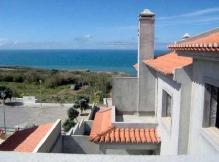 Townhouse for sale in Lourinha