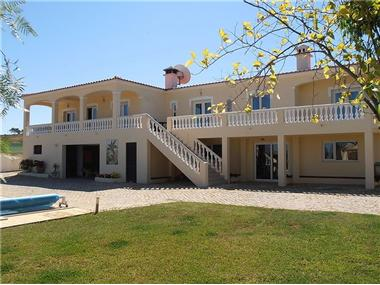 Villa / Townhouse for sale in Ferrel