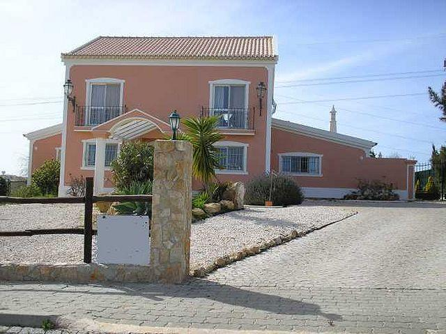 House/Villa for sale in Falfeira