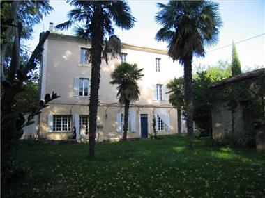 Manor for sale in La Tour-d'Aigues