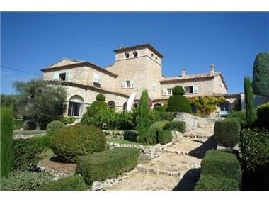 Old House for sale in Chateauneuf-Grasse