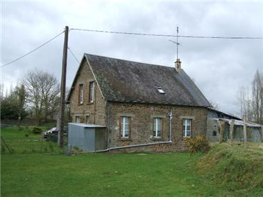 Cottage for sale in Saint-Fraimbault