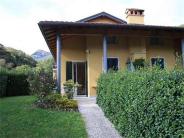 Villa for sale in Gravedona