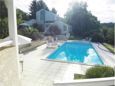 Villa for sale in Pau
