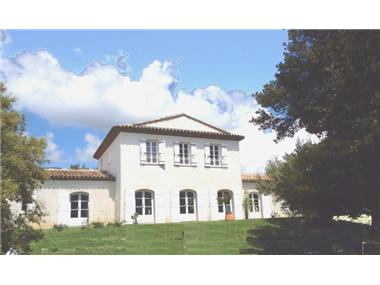 Villa for sale in Cucuron