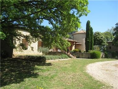 House for sale in Cucuron