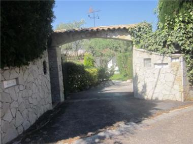 Villa for sale in Mougins