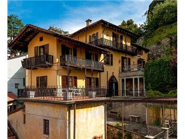 House/villa for sale in Torno