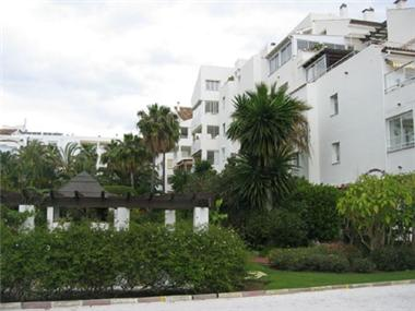 Apartment for sale in Atalaya Golf