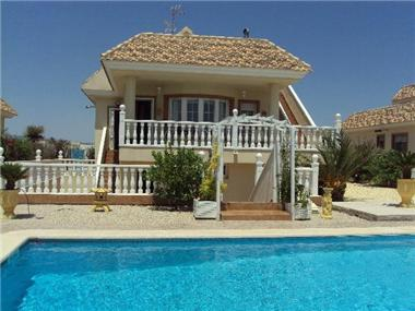 Villa / Detached for sale in Santomera