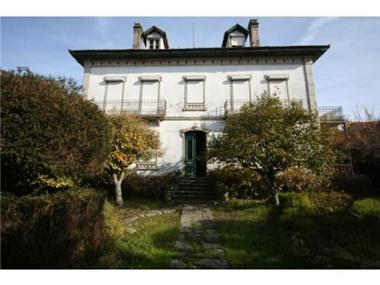 Villa for sale in Seia