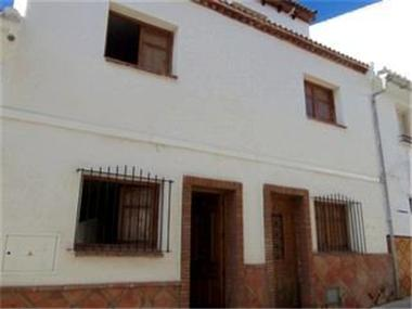Townhouse for sale in Alozaina