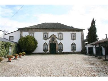 Villa for sale in Viseu