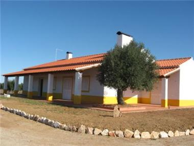 Villa for sale in Aviz