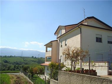 Flat/apartment for sale in Lattarico