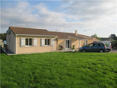 New House for sale in Les Salles-de-Castillon