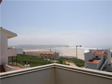 Apartment       for sale in Foz do Arelho