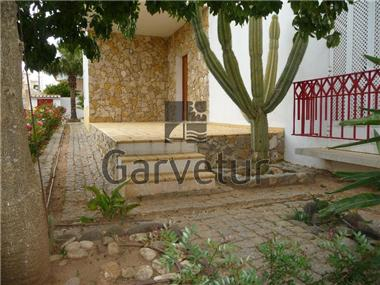 Villa / Townhouse for sale in Portimao