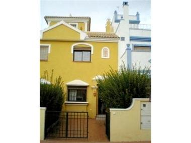 Town House for sale in Roda