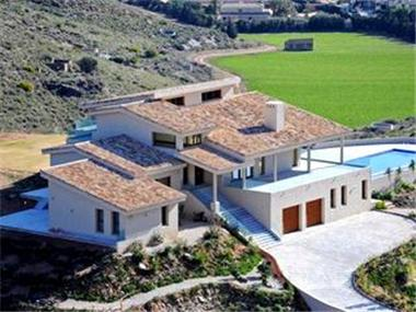 Villa for sale in La Manga del Mar Menor