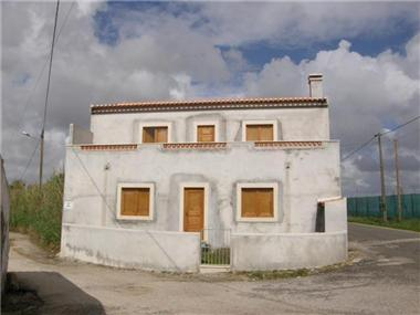 Villa / Townhouse for sale in Sao Bartolomeu