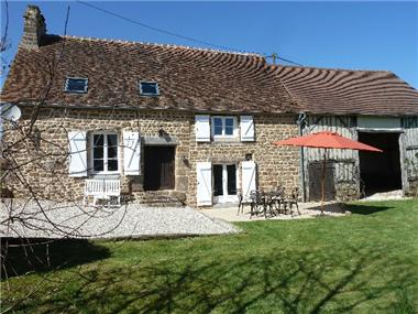 Cottage for sale in Saint-Bomer-les-Forges