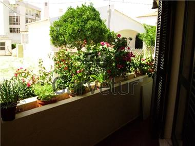 Villa / Townhouse for sale in Estombar