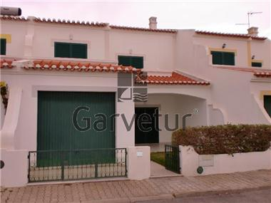 Villa / Townhouse for sale in Altura