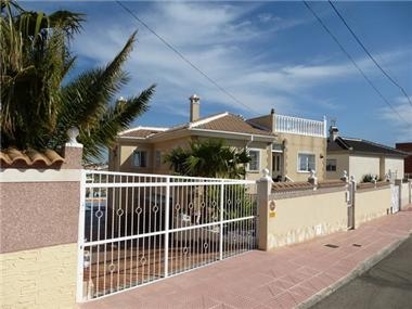 Detached Villa for sale in La Marquesa