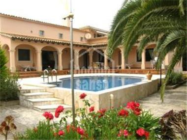 Townhouse for sale in Cales de Mallorca