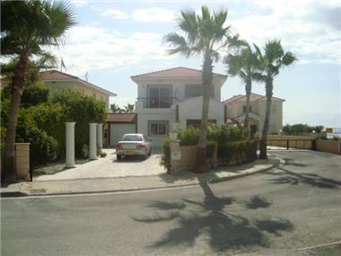 Detached House for sale in Oroklini