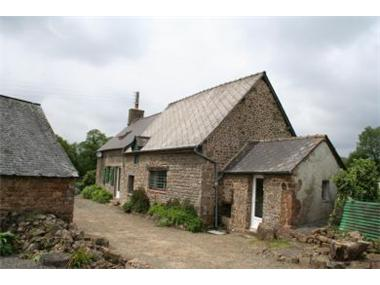 Cottage for sale in Saint-Mars-sur-la-Futaie