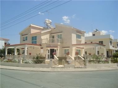 Detached House for sale in Pyla