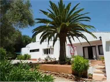 Villa for sale in Mahon