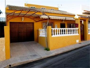 Villa for sale in La Azohia
