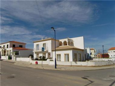 Villa for sale in Vila do Bispo