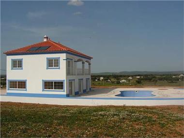 Property for sale in Fronteira