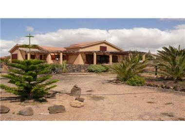 Villa for sale in La Oliva