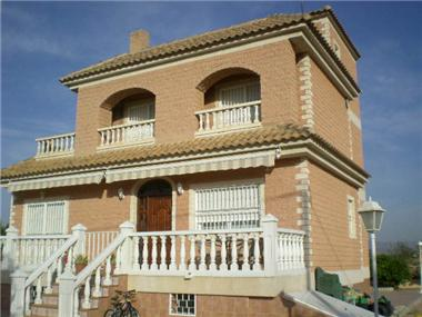 Villa for sale in Santomera
