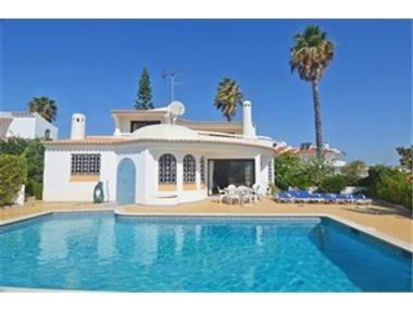 Villa for sale in Albufeira