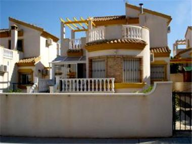 Villa for sale in El Pinar de Campoverde