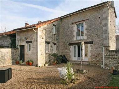 Stone House for sale in Verteuil-sur-Charente