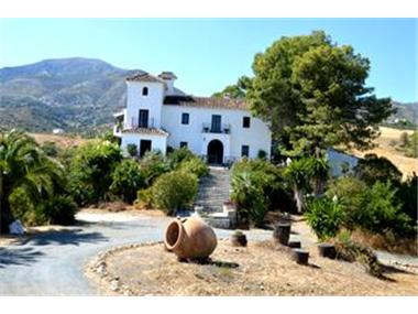 Finca for sale in Casarabonela