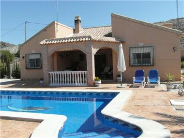 Villa for sale in Fortuna