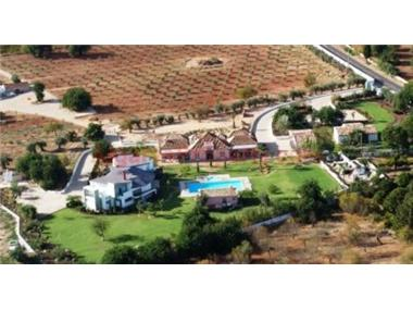 Villa for sale in Tavira