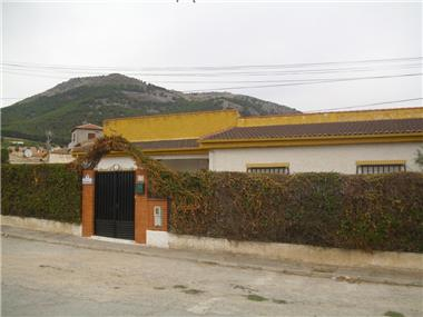 Villa for sale in Alomartes
