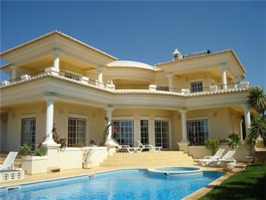 Villa for sale in Faro